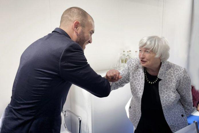 """Guzmán tuvo su primera bilateral con Yellen y calificó de """"charla muy valiosa"""""""