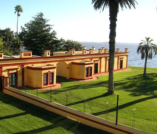 La belleza de La Alameda, a orillas de la laguna de Chascomús.