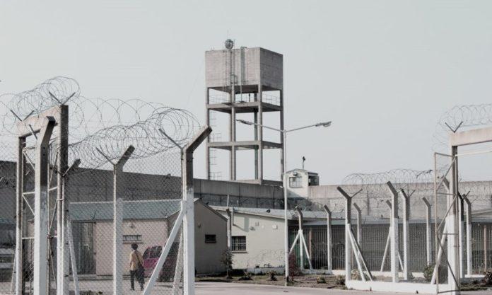 Informe de la CPM: leve baja de la población en cárceles, pero récord en comisarías