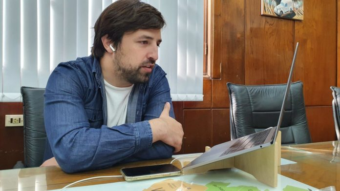 """Duras críticas de la oposición al """"pogo"""" de Kreplak al asumir en Salud"""