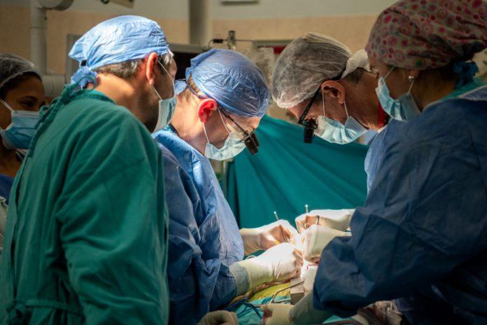 El equipo de trasplante renal del Garrahan intervino a un adolescente de 14 años que se convirtió en el paciente número 1000 en ser trasplantado