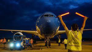 Arribará mañana el primero de los vuelos que traerán 8 millones de vacunas desde China en julio.