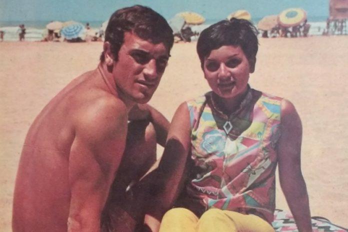 """Alfio """"Coco"""" Basile y su esposa Nilda disfrutan su luna de miel en Mar del Plata, en 1967. (Twitter)"""