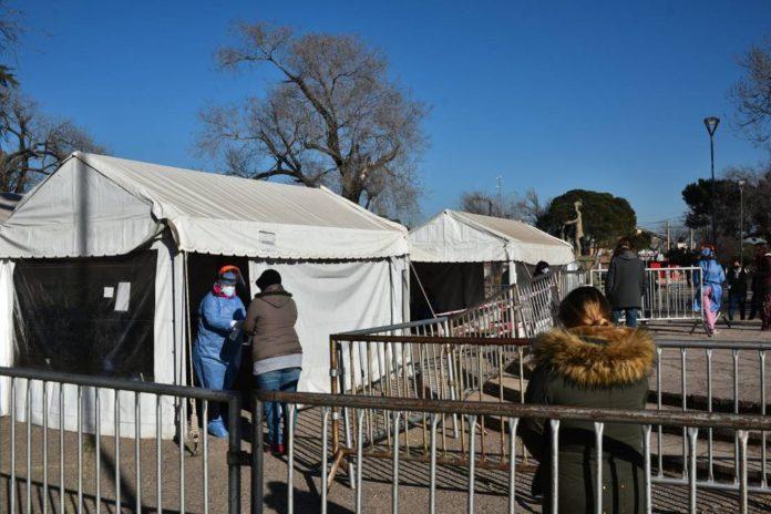 Los testeos vinculados a los casos Delta del coronavirus en Córdoba continuarán durante el fin de semana. (La Voz)