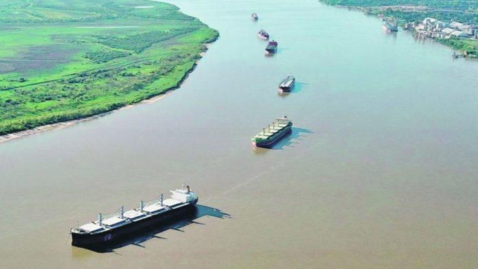 """CRA sostiene que con la estatización de la Hidrovía """" se puso en peligro la conexión con el mundo""""."""