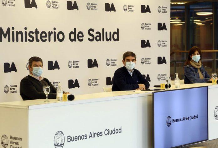 El ministro de Salud porteño, Fernán Quirós, anunció el estudio de combinación de vacunas. (Telam)