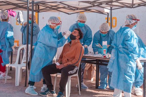 Coronavirus: 13.500 casos, con una positividad del 13%, y 267 muertes