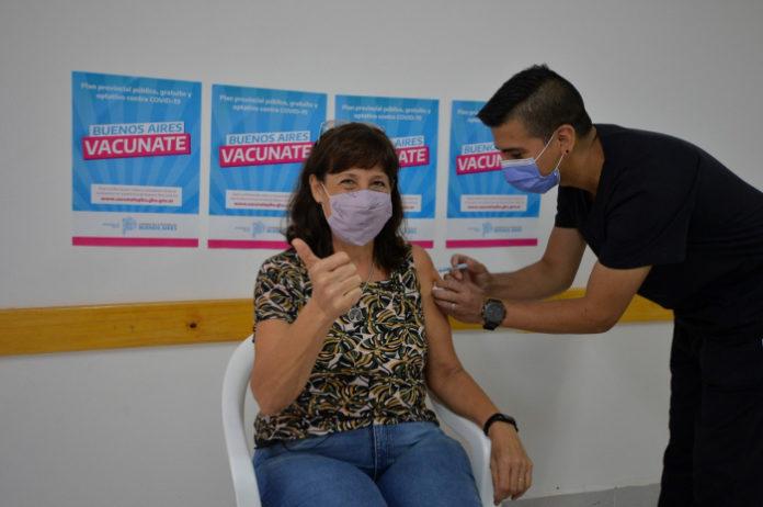 Los mayores de 35 ya pueden darse la vacuna libre contra el coronavirus. (Prensa Salud PBA)