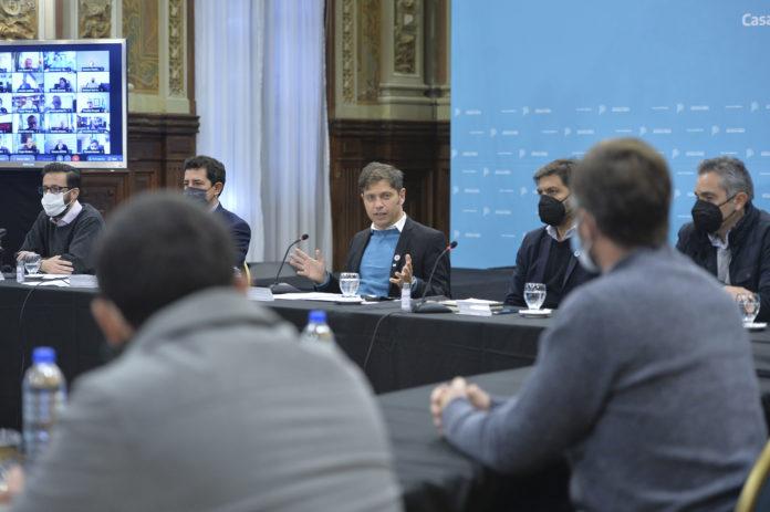 Axel Kicillof presentó obras para 75 municipios