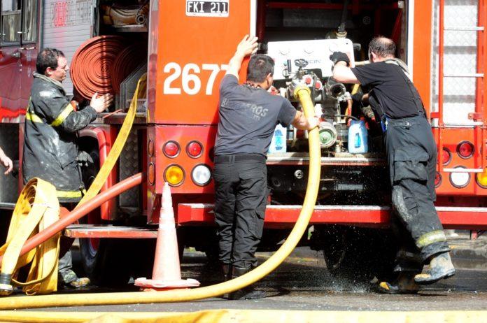 El gobernador bonaerense, Axel Kicillof, decretó tres días de duelo por el fallecimiento de los bomberos voluntarios