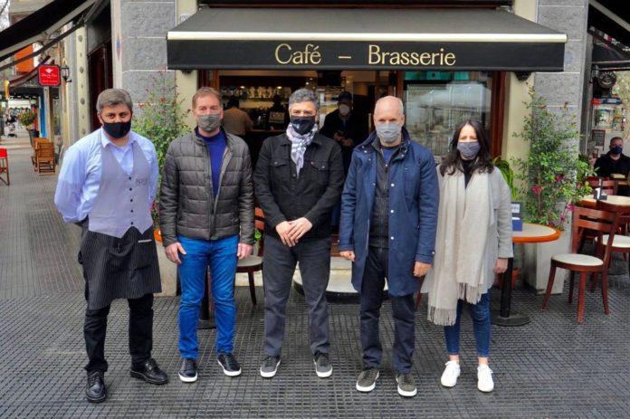 Tras mostrarse con Macri, Santilli recorrió otro distrito PRO con Rodríguez Larreta