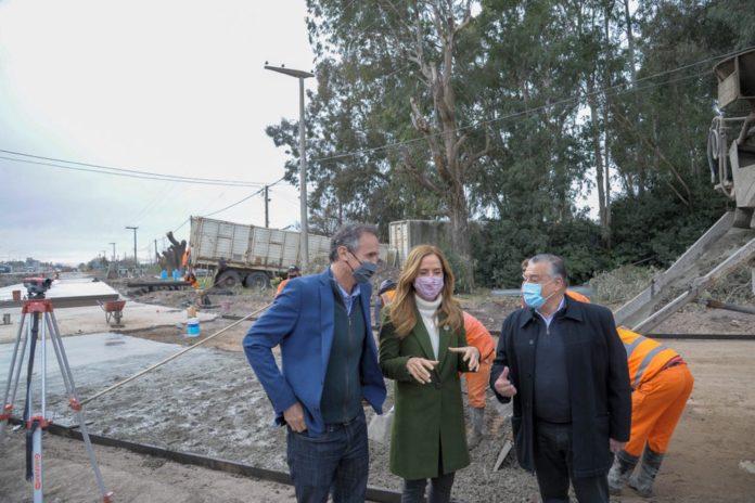 Tolosa Paz visitó Las Flores y compartió actividad con Katopodis