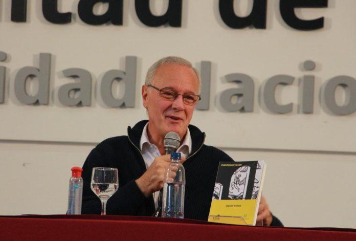 """Gollan: """"No hay vocación de debate en la oposición"""""""