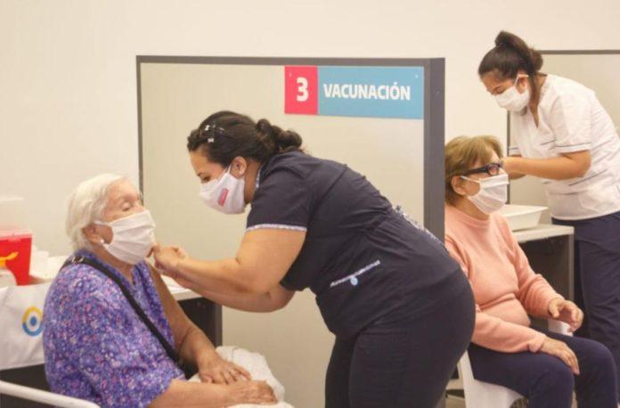 Argentina ya cuenta con un tercio de su población vacunada contra el coronavirus con el esquema completo.
