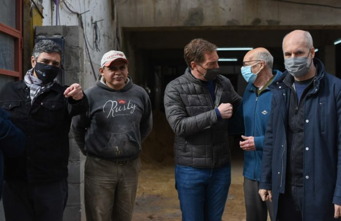 Foto de unidad: Santilli recorrió Vicente López con Jorge Macri y Larreta