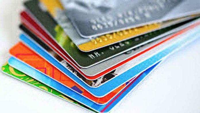 Ahora 12: Kulfas dijo que los bancos ampliarán los límites de las tarjetas