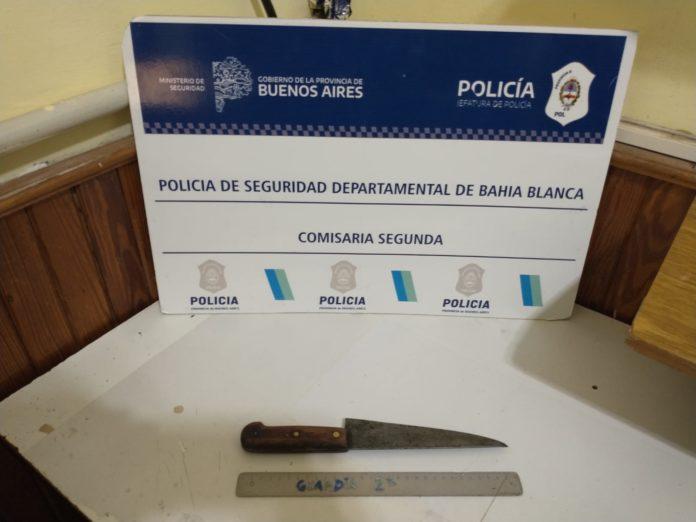 El cuchillo secuestrado en el departamento del Barrio Universitario. (Policía Bonaerense)