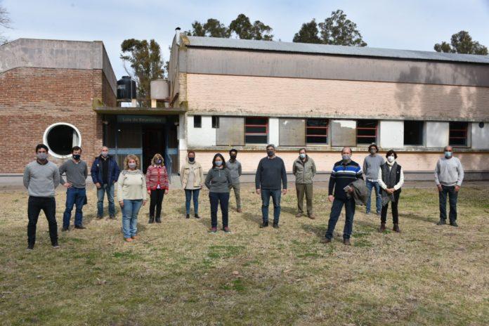 Rodríguez recorrió la Chacra Experimental Barrow de Tres Arroyos
