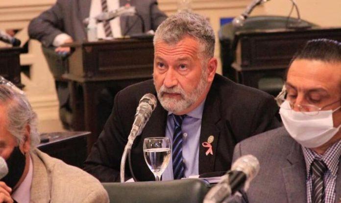 Un diputado de Corrientes fue baleado en pleno acto de cierre de campaña en la localidad de Tapebicuá