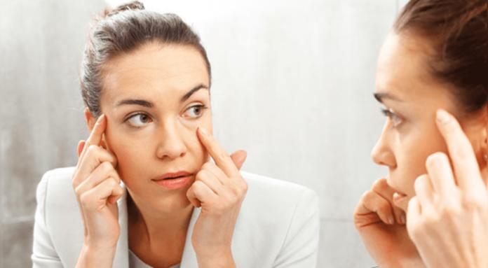 El temblor en el ojo es una contracción del párpado, que cuando se produce durante un largo período de tiempo, tiende a volverse muy molesto.