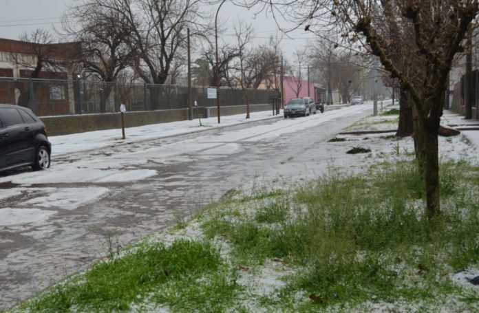 Viento, lluvia y granizo: inconvenientes por el temporal en el interior