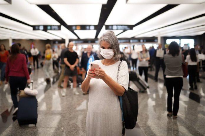 El Gobierno evalúa pedir certificado de doble vacunación contra la Covid a turistas extranjeros.