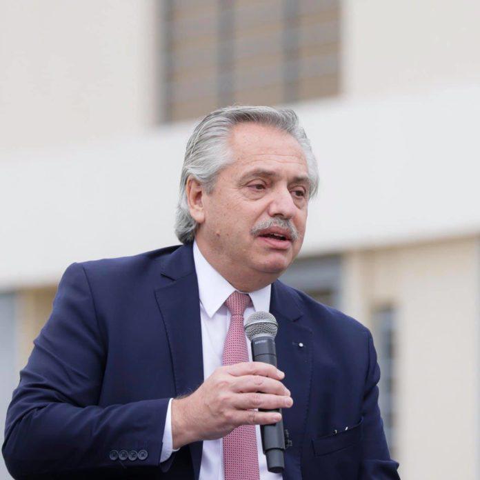 """El presidente Alberto Fernández destacó este lunes que """"los precios de la carne bajaron desde el momento en que fueron aplicadas restricciones a la exportaciones"""" del sector"""