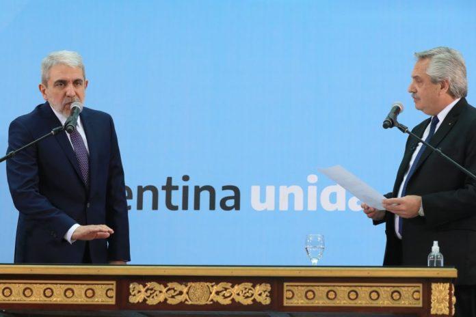 Carrió cuestionó a Aníbal Fernández y el ministro salió a responderle