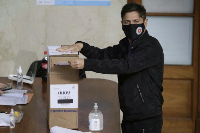 """Kicillof votó en La Plata y pidió """"conciencia y tranquilidad"""""""