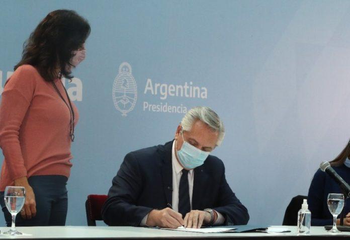Vilma Ibarra desmintió que el Presidente haya aceptado la renuncia de Wado de Pedro