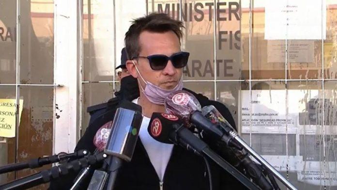 Chano Moreno Charpentier habla con los medios en la puerta de la UFI de Campana. (Captura de TV)
