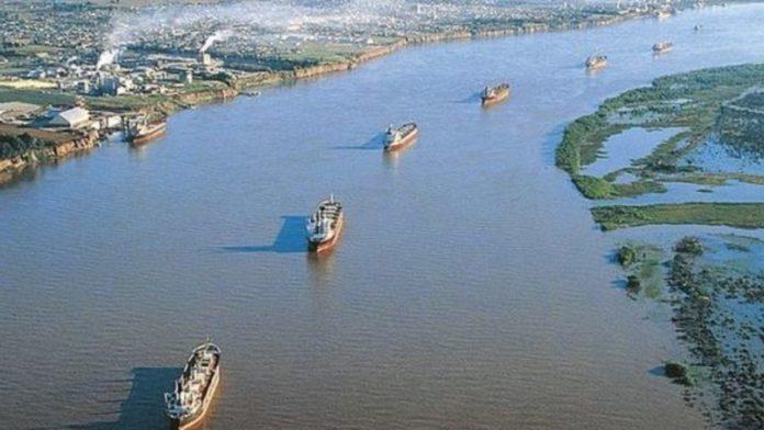 La administración de puertos tomó el control de la hidrovía