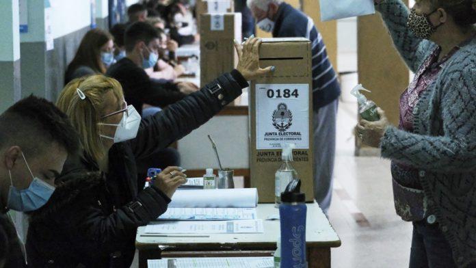 El dilema de contagiados, contactos estrechos y aislados el día de la votación