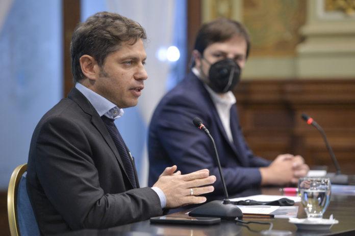 Axel Kicillof confirmó que se avanzará en el retorno a la presencialidad completa de los estatales