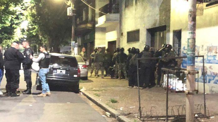Un hombre de 42 años mantenía esta mañana de rehén a un amigo suyo dentro de una vivienda de la localidad bonaerense de Caseros