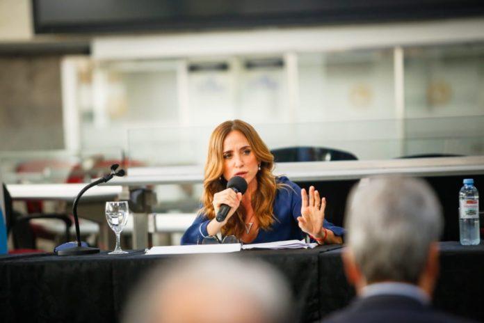 """Tolosa Paz: """"Los controles de precios son una medida incómoda pero necesaria"""""""