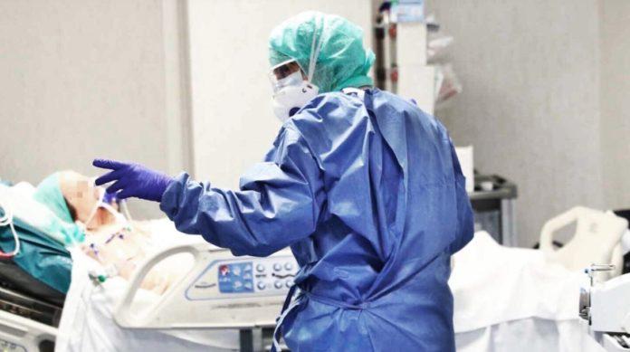 Covid: confirmaron 27 muertes y el promedio de casos diarios sigue en baja
