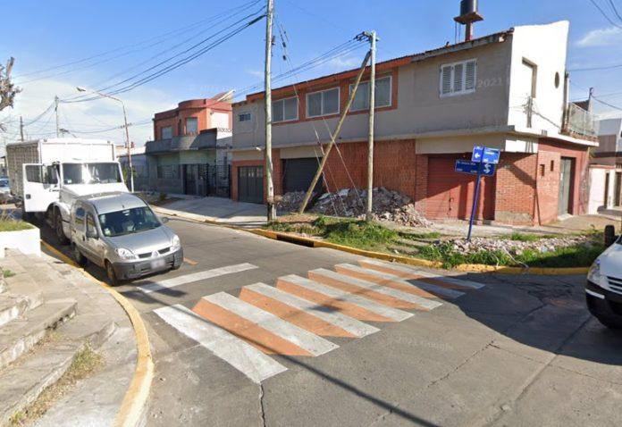 La esquina de Centenera y avenida Illia, donde ocurrió el tiroteo de anoche. (Google Maps)