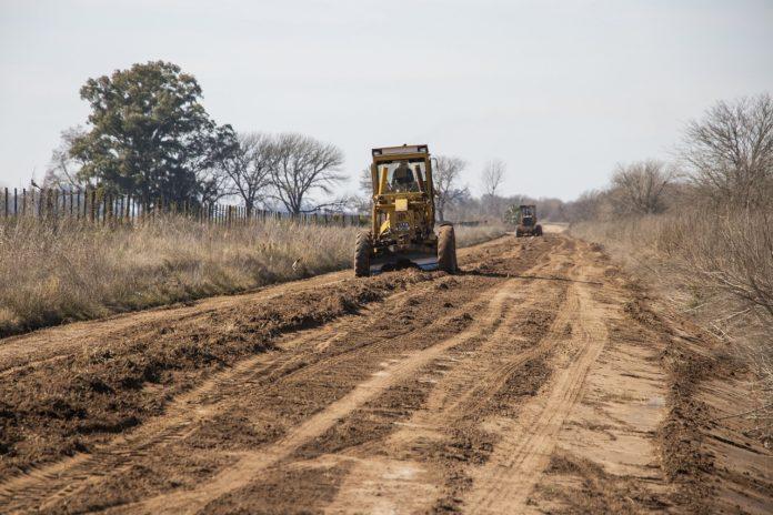 Caminos rurales: Rodríguez destacó la coordinación con municipios y productores