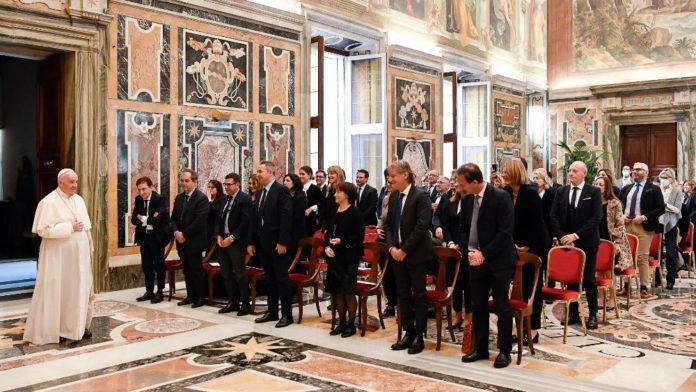 El Papa se reunió con participantes de un congreso de la Sociedad Italiana de Farmacia Hospitalaria. (Vatican News)