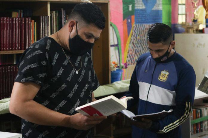 La maratón de lectura se desarrolló en la Unidad 18 Gorina. (Prensa SPB)