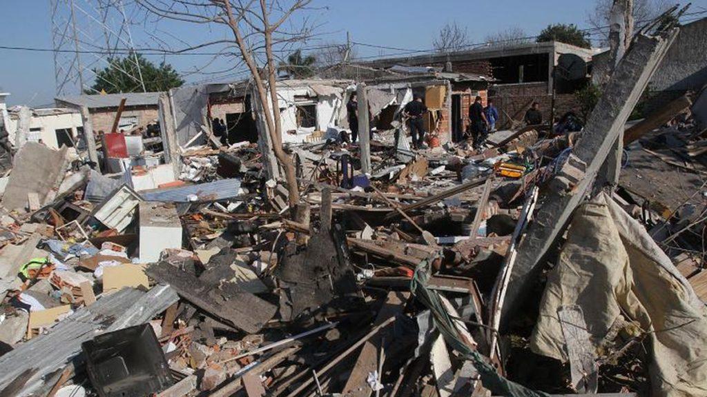 """El lugar en el barrio El Zaizar de Monte Grande """"parecía una zona de guerra"""" tras el misterioso suceso."""