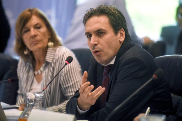 Santilli y Gollan se presentaron ante la Justicia para acreditar domicilios en provincia