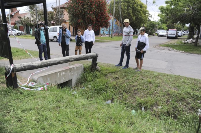 El lugar donde fue encontrado el cuerpo de Magalí Gómez en horas de la mañana de ayer. (Télam)